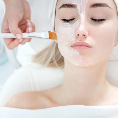 Peeling du visage aux Lilas 93 - Dr Eychenne